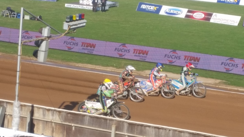 New SGP star Bartosz Zmarzlik ended his junior career in sublime style after securing the FIM Speedway Under-21 World Championship with a race to spare in Pardubice.