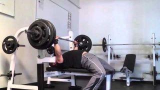 Bench workout: 305x3 @74kg